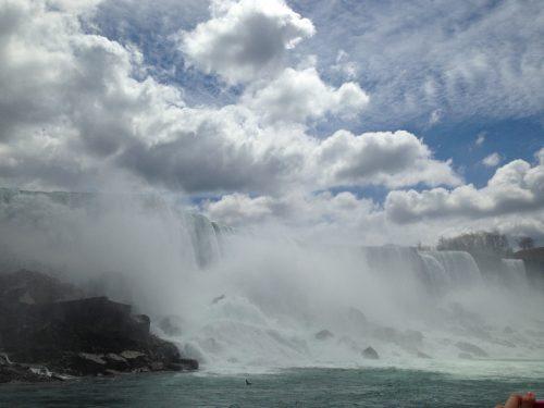 遊覧船から見えるナイアガラの滝1