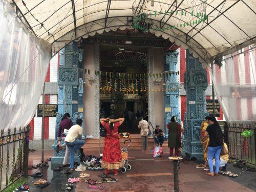 スリ・ヴィラマカリアマン寺院の入り口