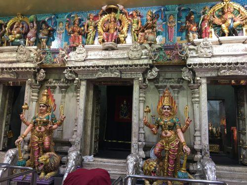 スリ・ヴィラマカリアマン寺院にある壮大な像