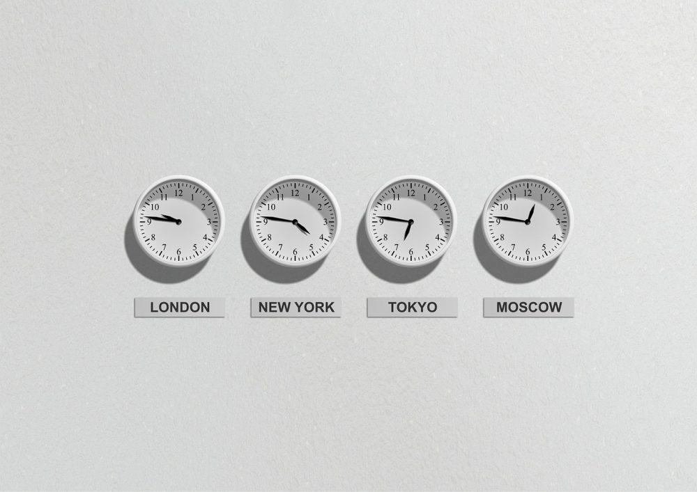 時差 シンガポール なぜ、タイと日本の時差は2時間なのに、シンガポールとの時差は1時間だけなのか。