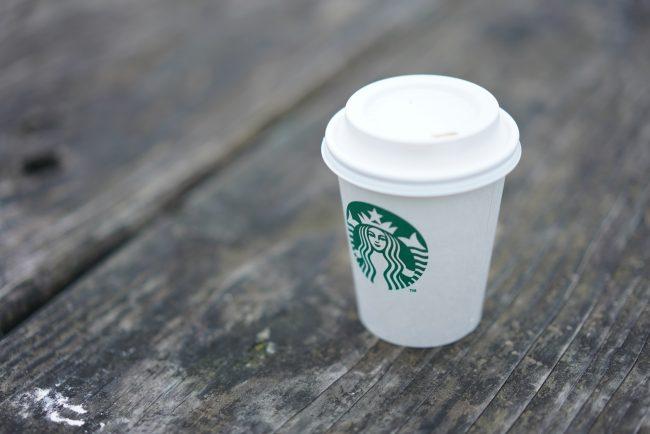 スターバックスのコーヒー画像