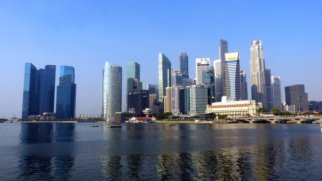 海沿いにあるシンガポールの街